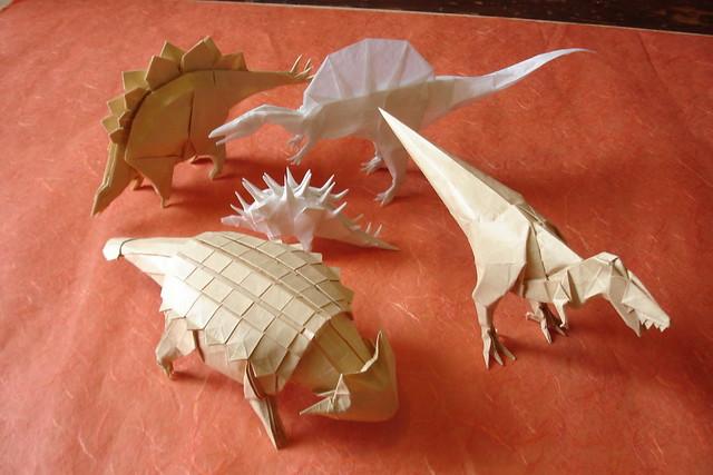 Смотреть как сделать с бумаги динозавра
