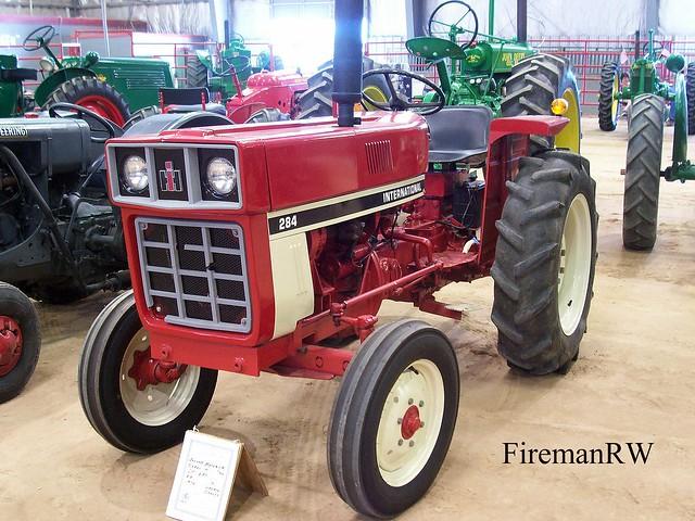 International Harvester 284 Tractor : International flickr photo sharing