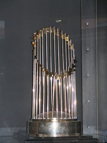 Arizona Diamondbacks 2001 World Series trophy | by ConspiracyofHappiness