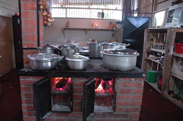 La familia irola z iga conserva el fogon tradiconal para - Film para cocinar ...