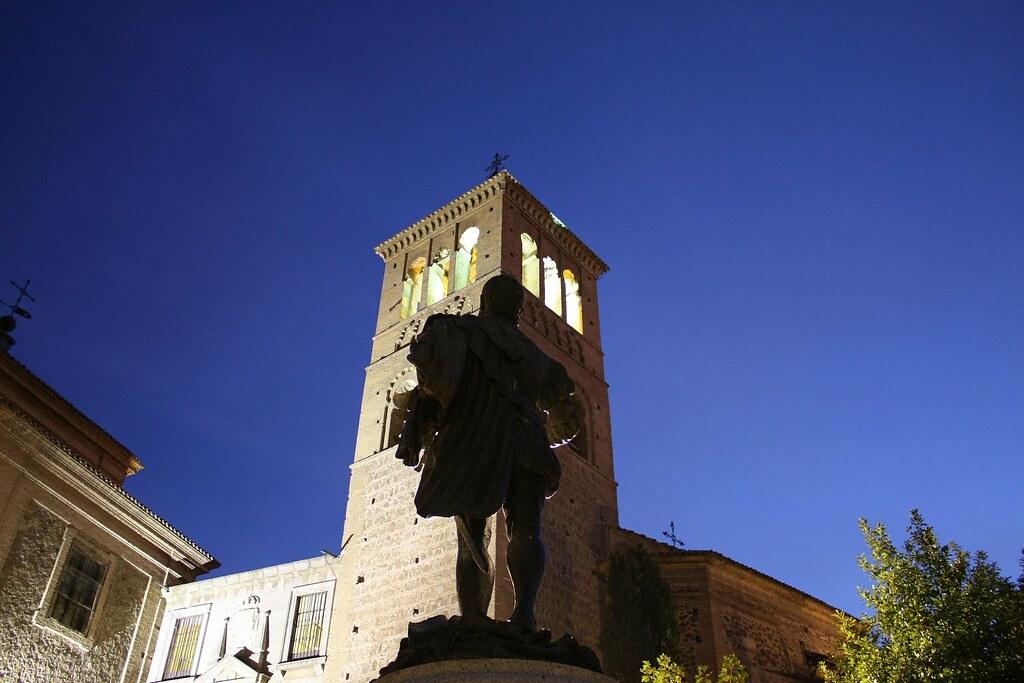 Estatua de Garcilaso de la Vega en Toledo