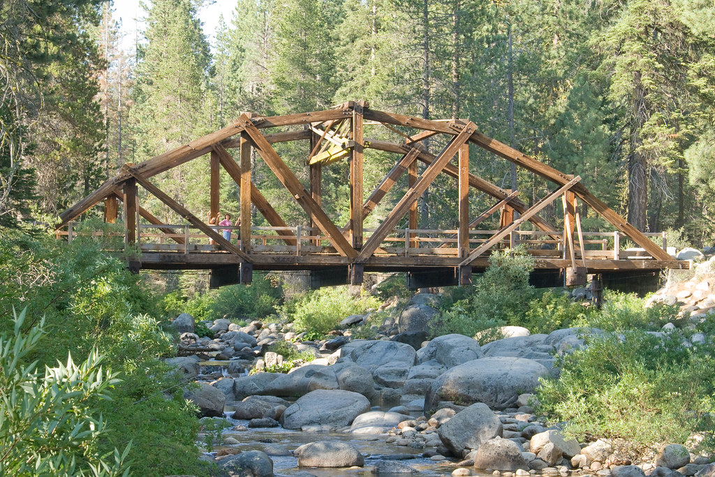 how to get to the trestle trail bridge colf lafr