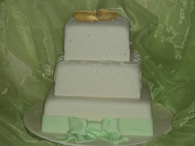Hochzeitstorte Quadratisch Mit Herzen Und Schleife Flickr