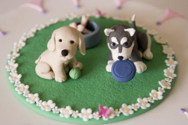 Isa S Cake Topper Close Up1 Dogs Tennis Ball Frisbee