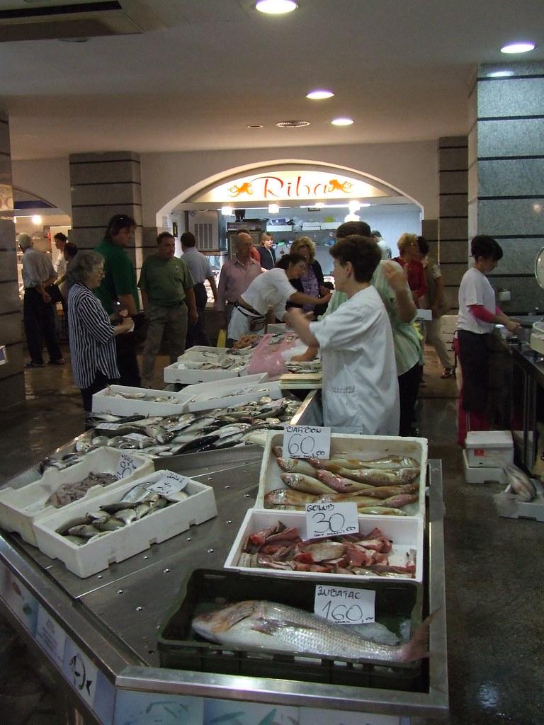 Fish market pula croatia chris yunker flickr for White fish market