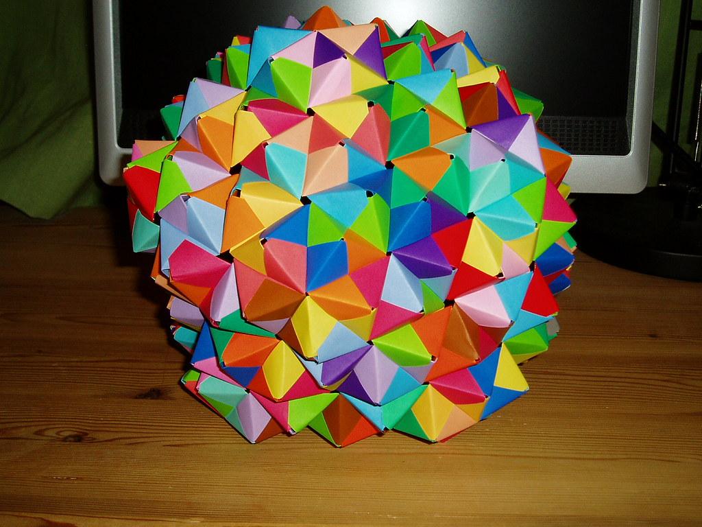 270 unit Sonobe unit ball | Epcot ball made of 270 sonobe ... - photo#46