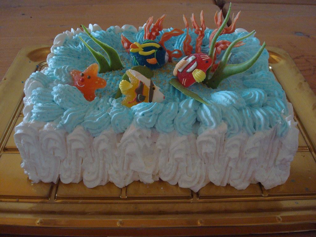 Dimostrazione decorazione torte torta marina con for Decorazione torte con wafer