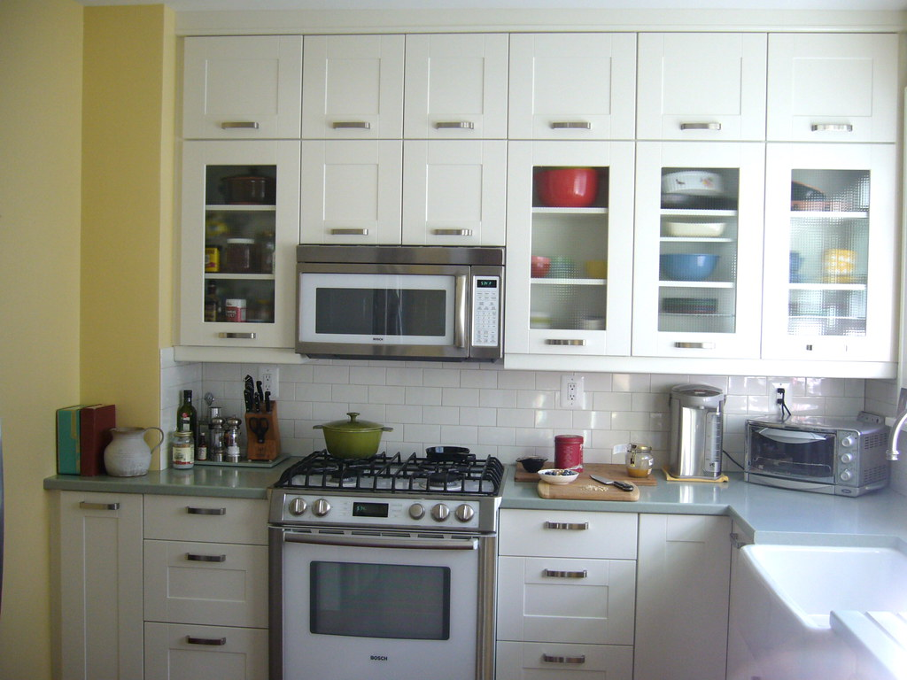 kitchen is yellow benjamin moore traditional yellow carolyn riccardelli flickr. Black Bedroom Furniture Sets. Home Design Ideas
