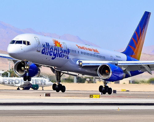 Allegiant Air N902NV  1992 Boeing 757-204 C/N 26964 | by TDelCoro