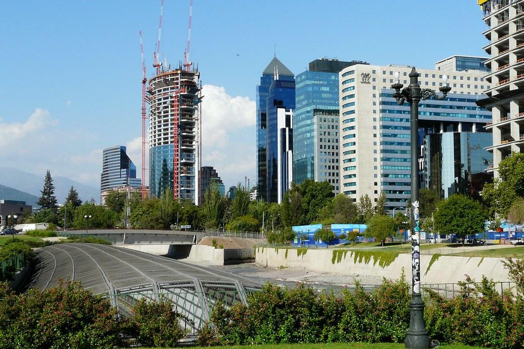 Santiago de chile costanera norte edificios en altura for Marmolerias en santiago de chile