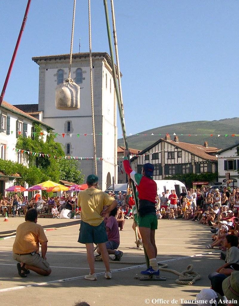 Force basque office de tourisme d 39 ascain f te du village flickr - Office du tourisme ascain ...