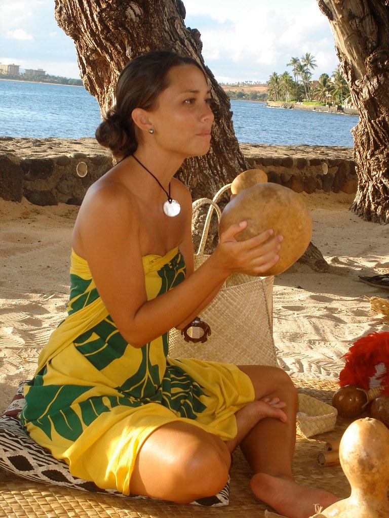 Maui Hawaiian Girl  Entertainment At A Luau In Maui -9339
