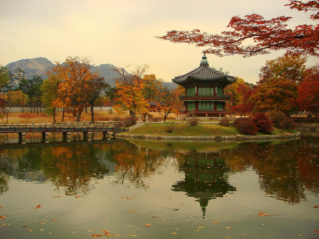 Terms Of Use >> Unforgettable Sight of Korea - Autumn in The Palace | Flickr