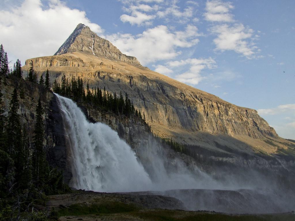 Emperor Falls | Mt. Robson | Berg Lake trail, Mount Robson ...