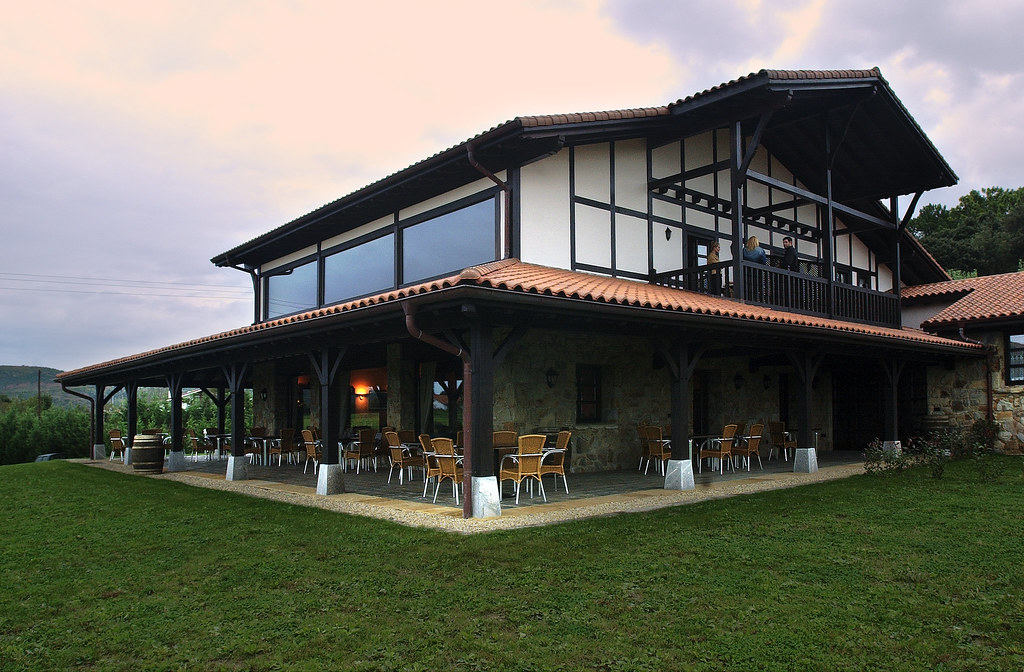 Casa rural larrakoetxea plentzia vizcaya pa s vasco e flickr - Casas pais vasco ...