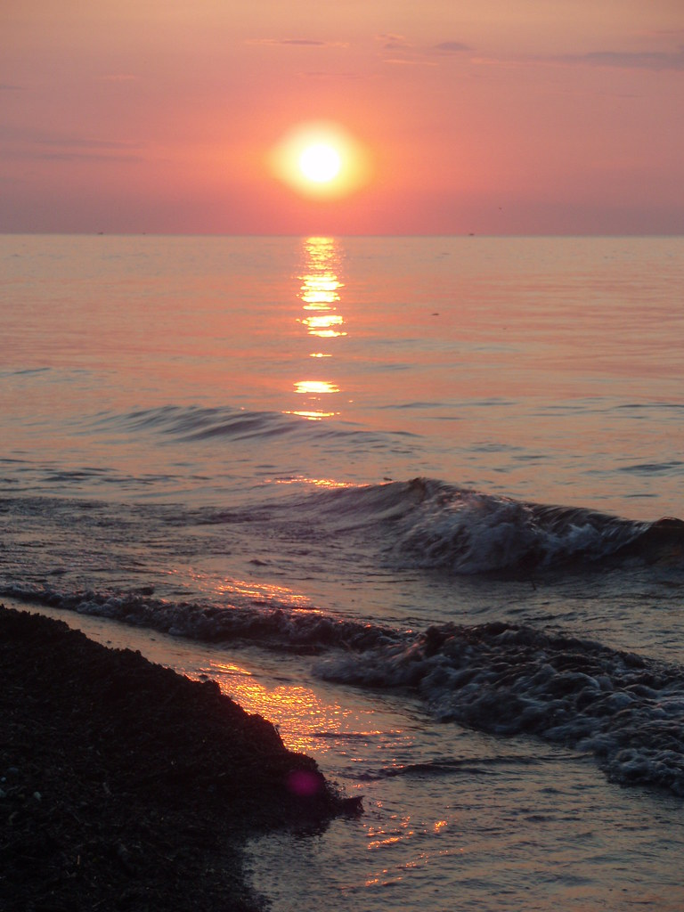 Lake Erie Sunset, June 20, 2008 | Sunset over Lake Erie ...