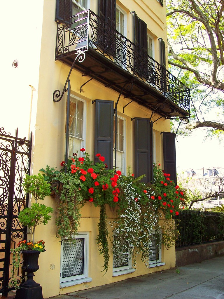 Southern charm spring in charleston sc bill flickr - What houses romanians prefer ...