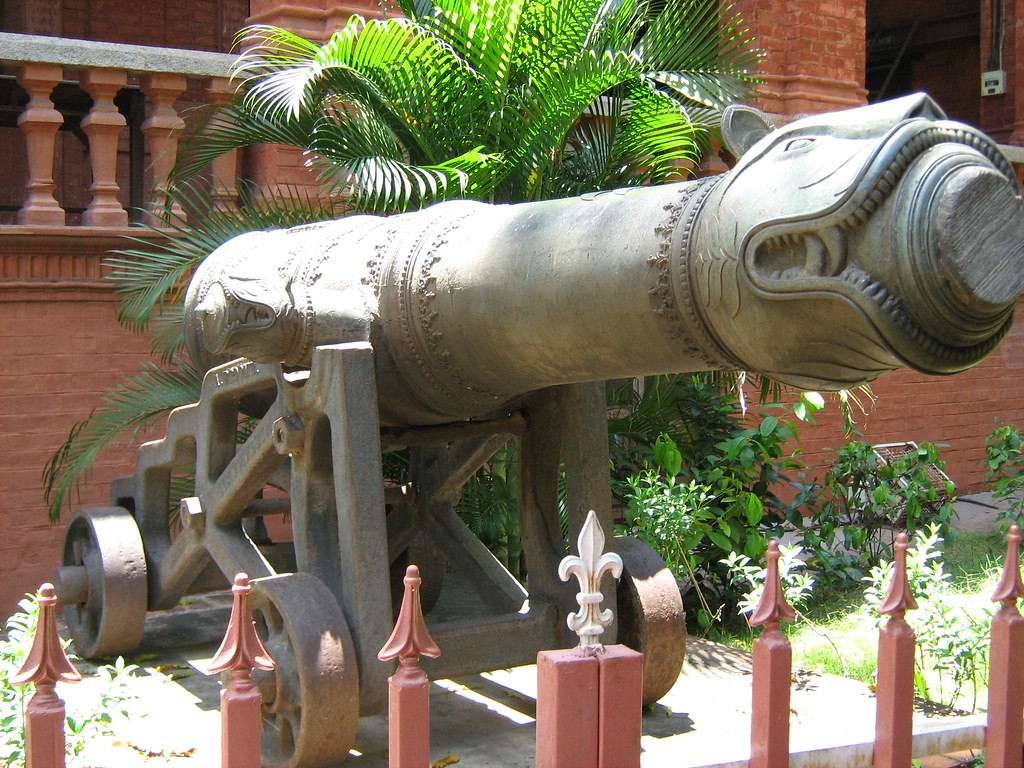 tipu sultan against british Over 1000 war rockets of tipu era have just been found in a fort in karanataka tipu sultan was the first warrior in history to have used rockets in his warfare against the british.