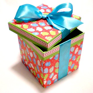 Ta-dah! Dressed up gift box | by passitonplates
