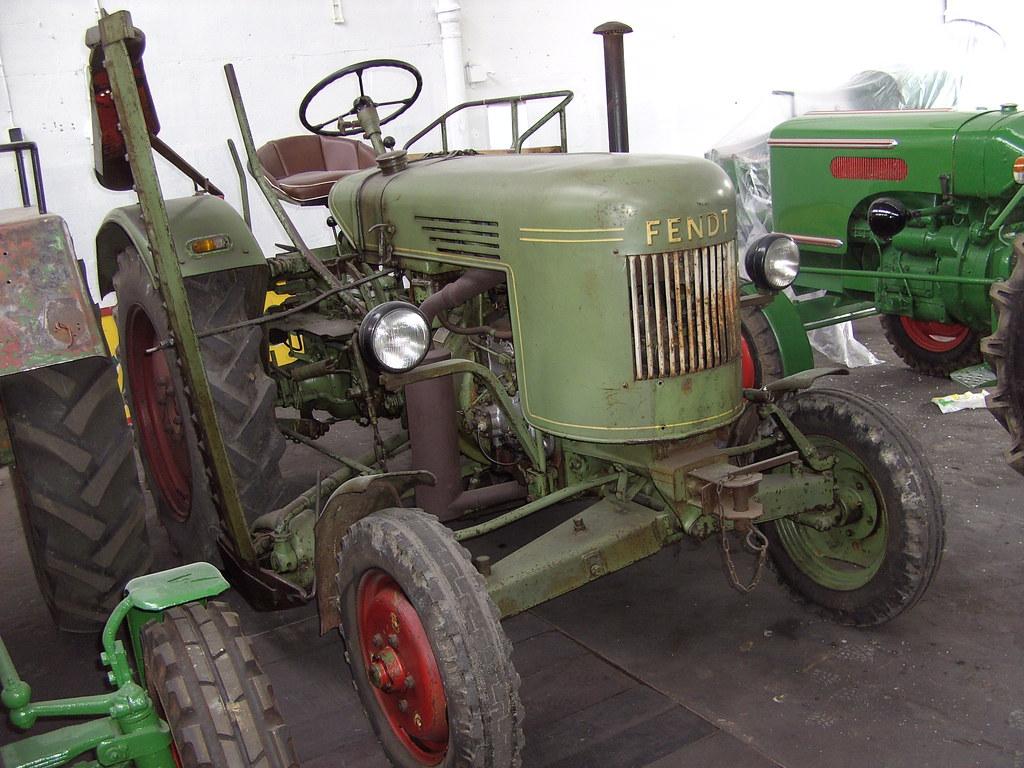 fendt tractor a fendt tractor named dieselross. Black Bedroom Furniture Sets. Home Design Ideas