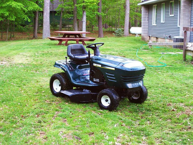 My New Lawn Tractor A 2001 Craftsman 16 Horse Riding