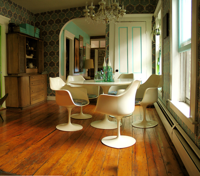 ... Mid Century Modern White + Turquoise: Saarinen Tulip Table + Chairs +  Wood Floors