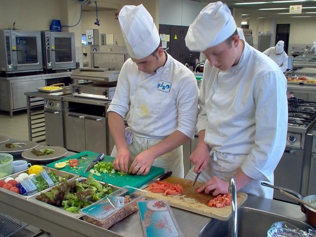 Piso restaurant keuken op de afbeelding ziet u leerlingen flickr - Afbeelding van keuken amenagee ...