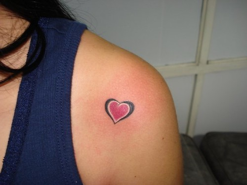 Little heart tattoo exotic tattoo medellin for Pink heart tattoo