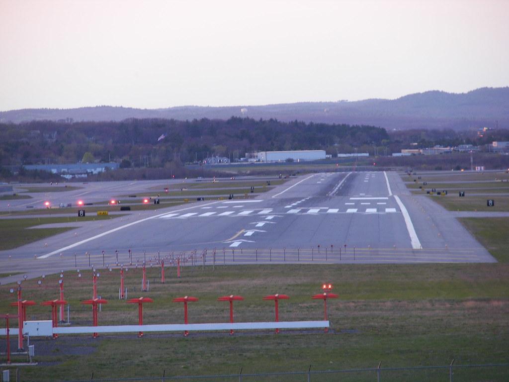 Mht Airport Runway Mht Airport Runway In Manchester Nh