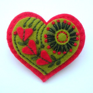 EMBROIDERED HEART FELT BROOCH - VALENTINE'S DAY | by APPLIQUE-designedbyjane