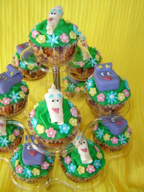 Cake Design Dora L Exploratrice : dora the explorer themed cupcakes 12 dora the explorer ...