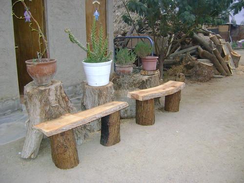 Muebles rusticos de troncos flickr photo sharing - Bancos de madera rusticos ...