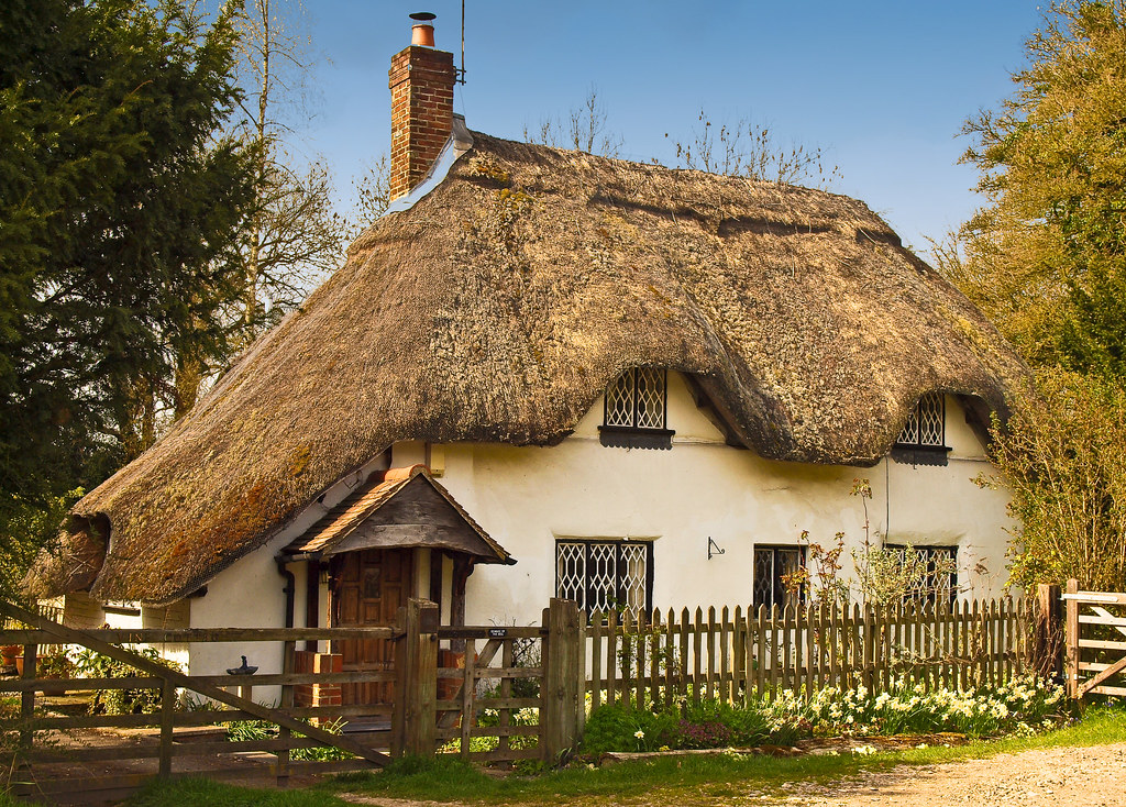Thatched cottage at fullerton in hampshire anguskirk flickr - The thatched cottage ...