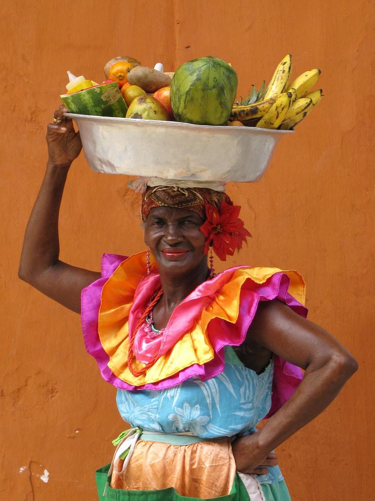 La vendedora de frutas maacutes rica del mundo ver video completo aqui httplopoteamcom3fnr - 2 6