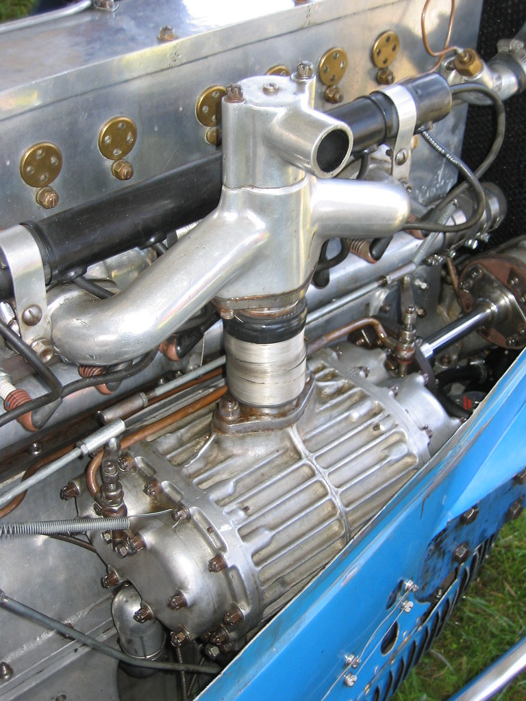 4 Cylinder Blower : Bugatti supercharger on eight cylinder type c no