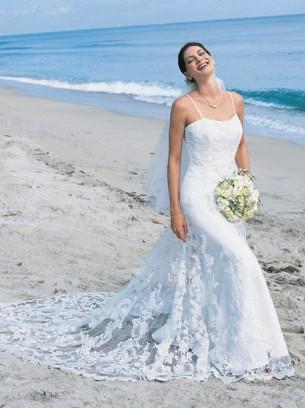 Hawaiian beach wedding dresses 18 beach wedding dresses for Wedding dresses for hawaiian beach wedding