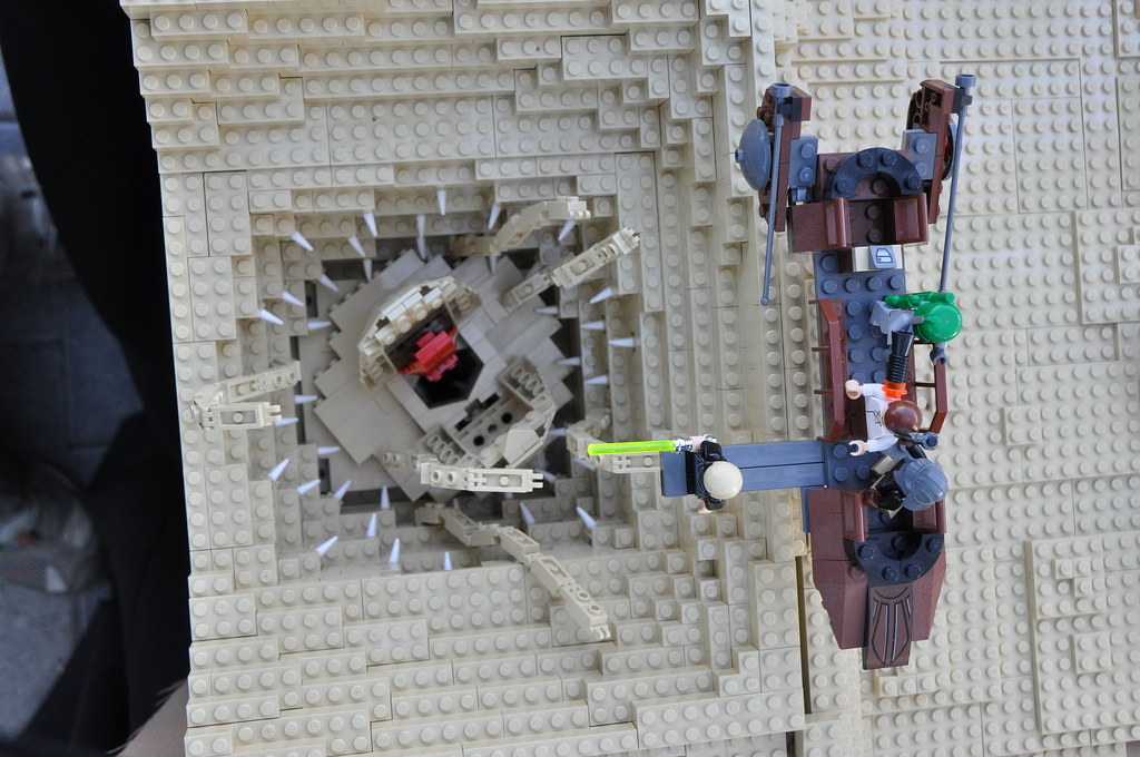 Sarlacc pit & sand skiff from above | Built by Anderson ...