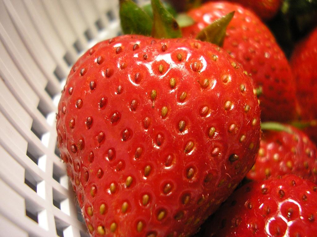 Basket Of Strawberries Cake