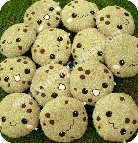 A bakers dozen of big chocolate chip cookie plushies | Flickr