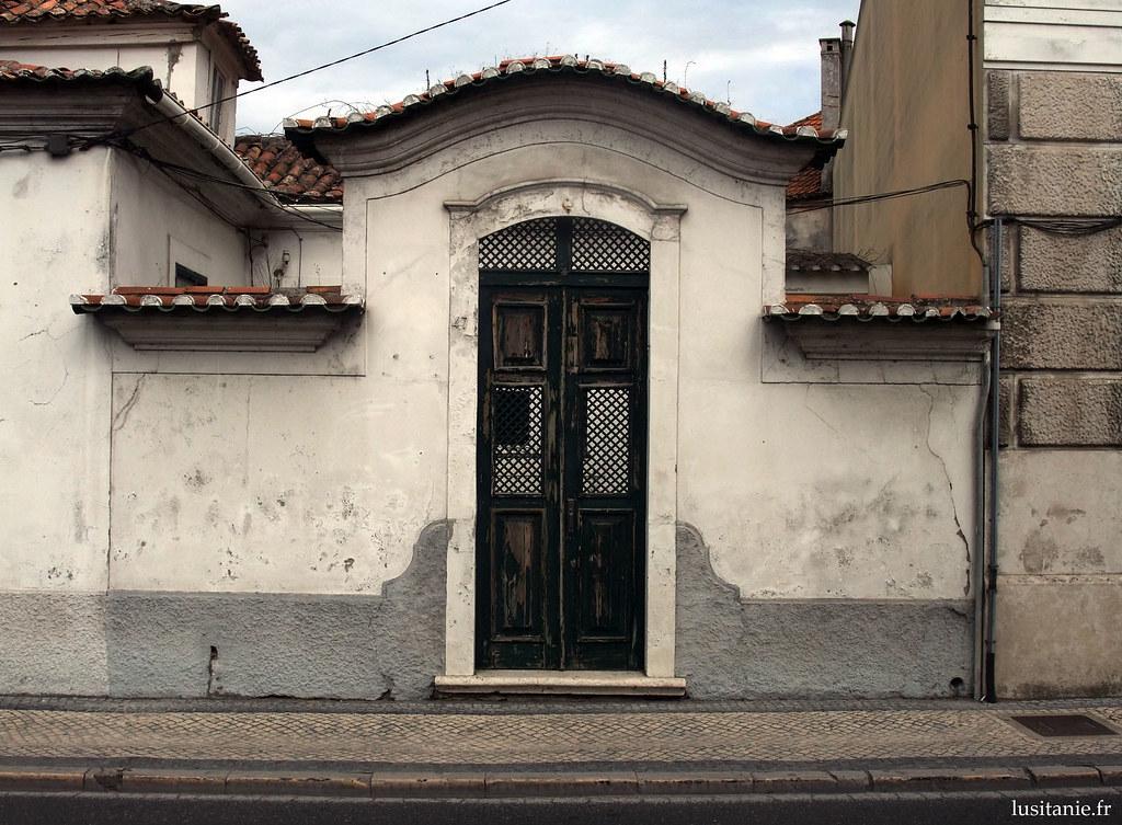 Porte, typiquement de style portugais