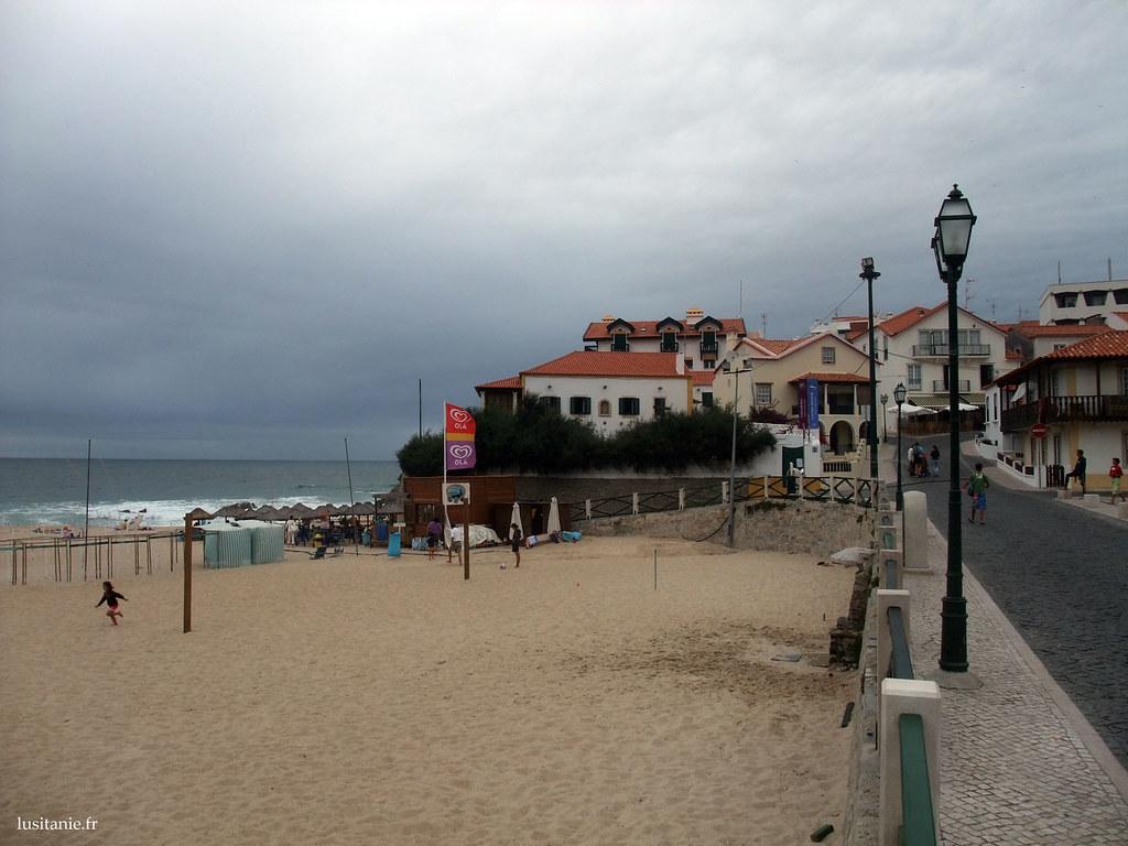 Rue au bord de la plage