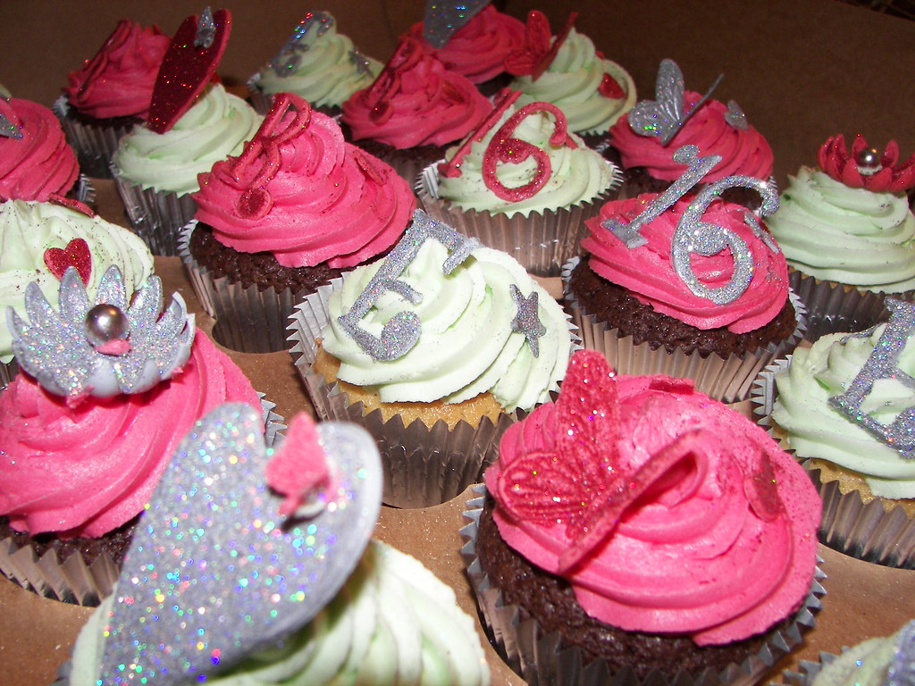 Cupcake Decorating Ideas For Sweet 16 : Sparkling Sweet 16 Cupcakes with handmade decorations ...