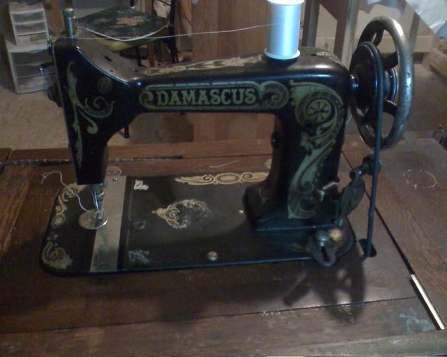 Montgomery Wardco Damascus Sewing Machine Here Is A Vibra Flickr Simple Damascus Sewing Machine