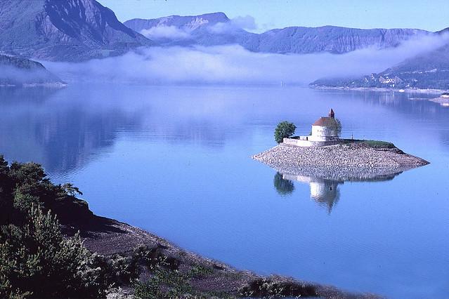 Lac Serre Poncon : Hautes alpes serre ponçon l histoire d un lac par sa chapelle