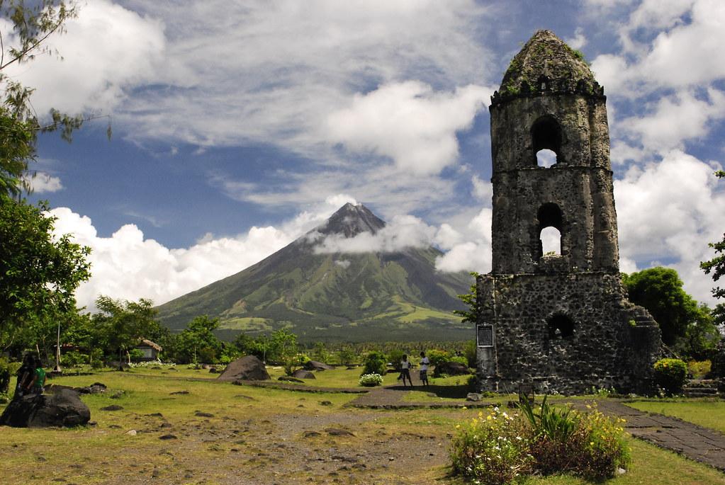 Cagsawa Ruins Daraga Albay Summer In Bicol Paolo