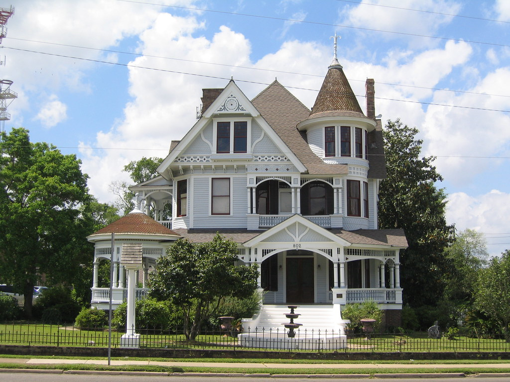 Mcleod house 802 north main street hattiesburg ms 39401 for Home builders hattiesburg ms