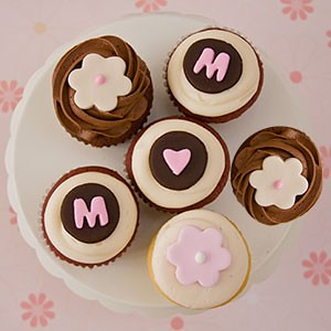 Teacake Bakeshop Mother's Day mail order cupcakes | by Rachel from Cupcakes Take the Cake
