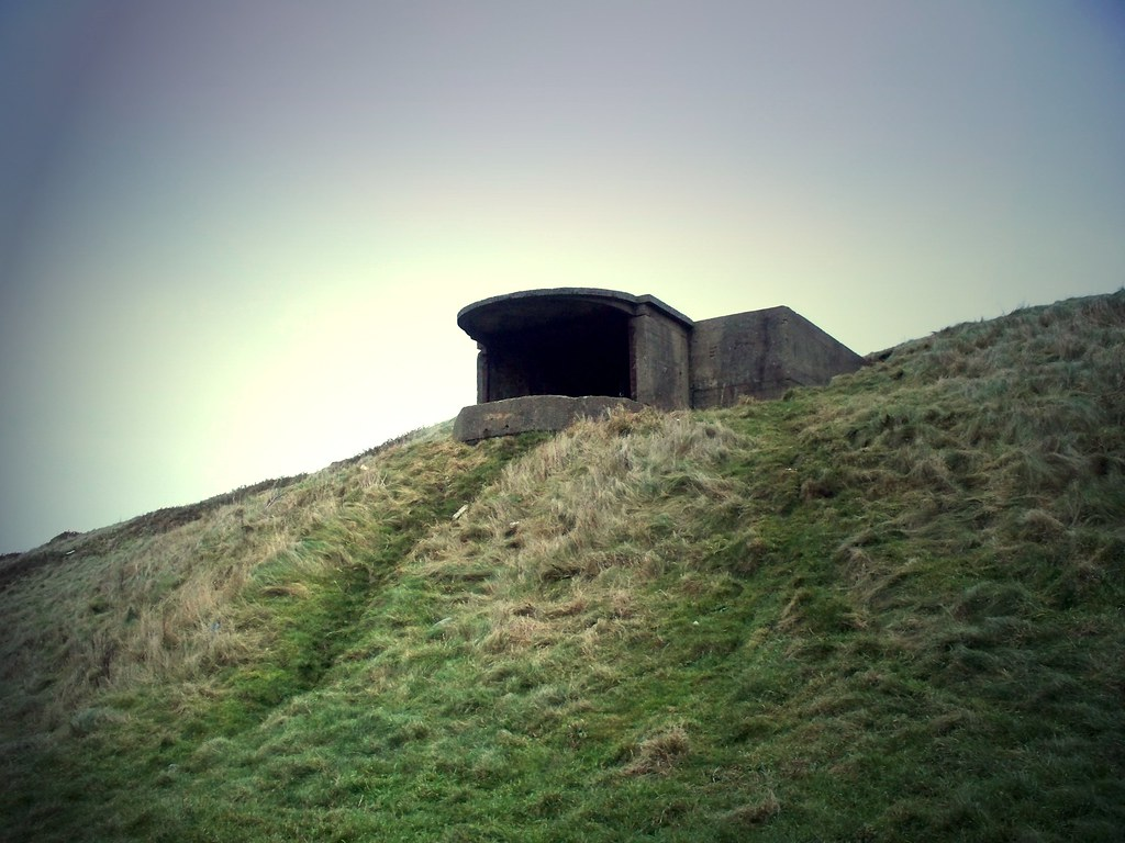 Fort Walney Searchlight Emplacement | An old World War ...