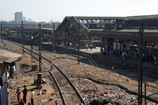 Overview of a train station in Mumbai | by World Bank Photo Collection