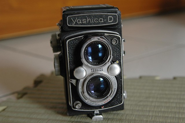 我的第一台TLR Yashica-D